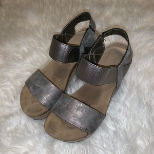 Dark Grey & Tan Wedges
